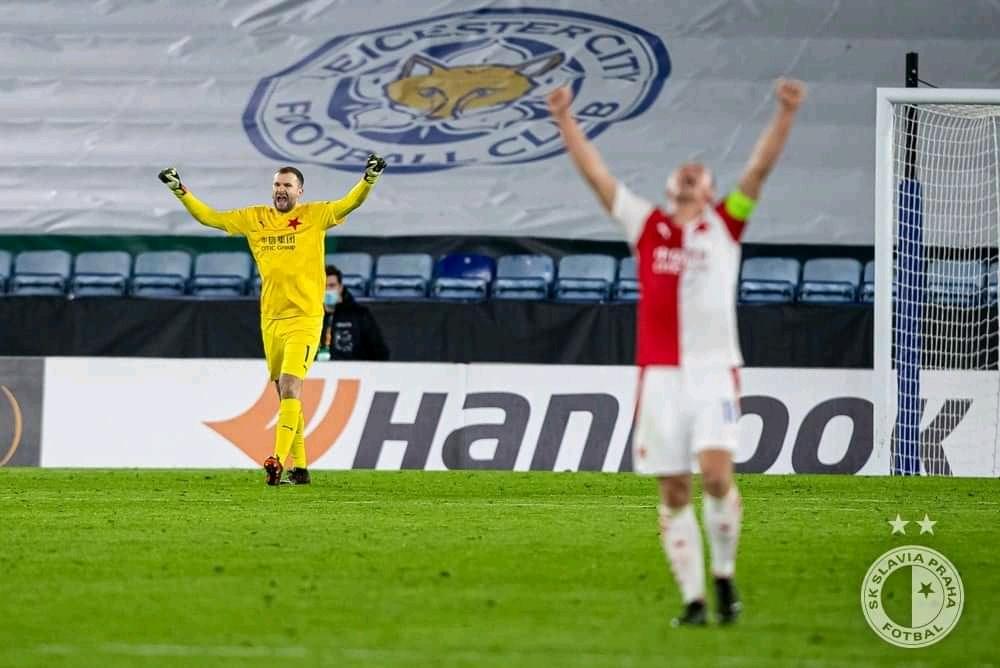 Slavia Praha športová fotografia